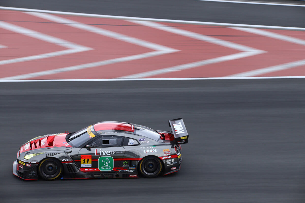 GAINER TANAX GT-R(2018 SUPER GT)