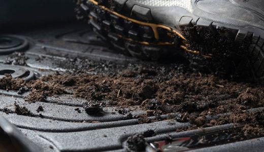 車内を汚れからガード!3Dフロアマット&ラゲージトレイのススメ