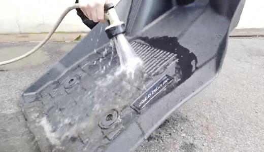 水洗い可能なフロアマット SILKBLAZE3Dフロアマットを動画でご紹介