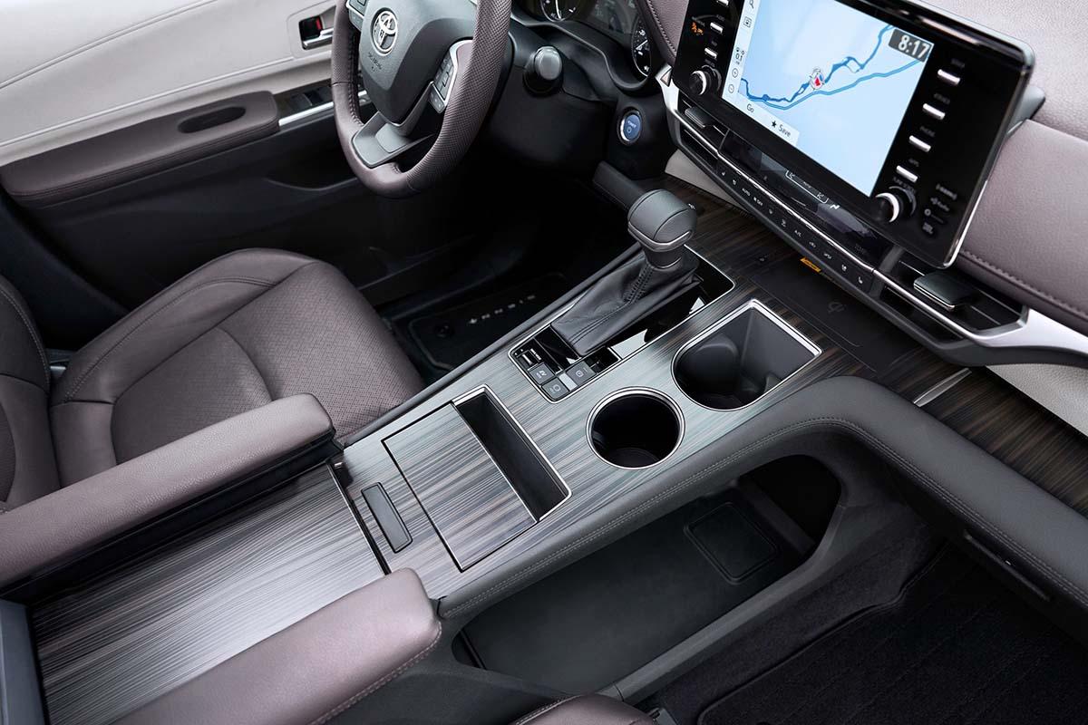 2021_Toyota_Sienna_Platinum